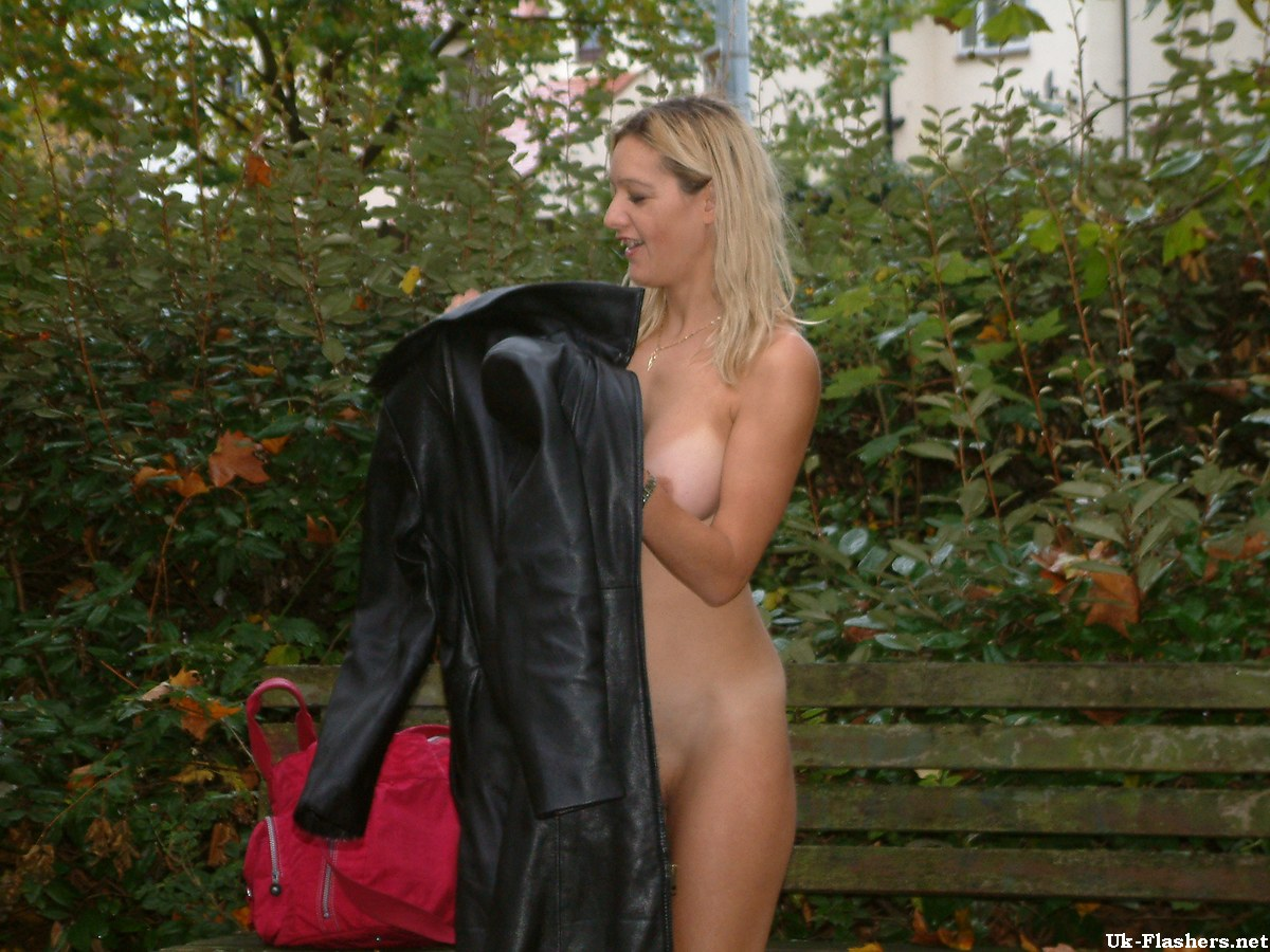 Exhibitionist public amateurs xxx