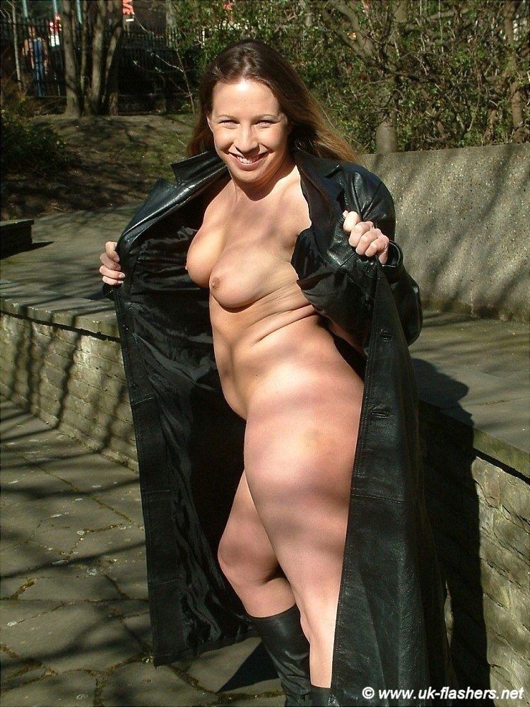 Mature cum in her ass